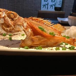 アヤメカサゴの素揚げ / Yellowbarred red rockfish