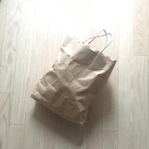 【ものを減らす方法】バザー行きの紙袋を用意しておく