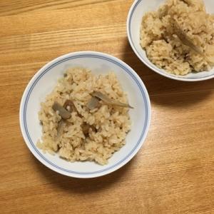 炊き込みご飯は、麺つゆを使うと簡単。「油っけ」を足せば旨みがアップします