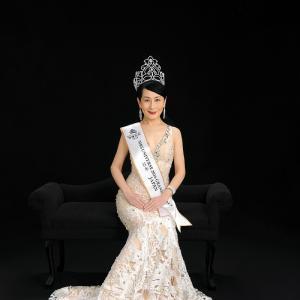 Titleholder : Mrs. Japan Universe 2016