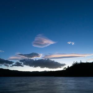 ペルセウス座流星群をチミケップ湖畔で撮影
