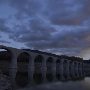 幻の橋タウシュベツ川橋梁で星とアーチを撮る