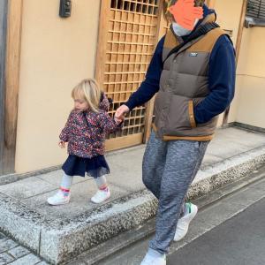 娘よく歩くようになったなーd(^_^o)