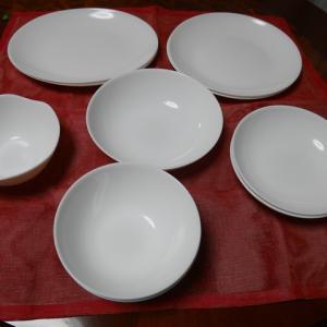ヤマザキ春のパン祭りの食器