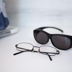 ★運転中の西日対策に~眼鏡の上から掛けられる「オーバーサングラス」