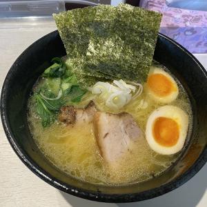 麺処なかふく@下総中山 12/1ニューオープン 鶏油の効いた超濃厚な鶏白湯ラーメン。