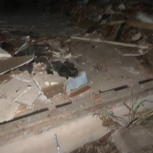 家を壊されはじめた。
