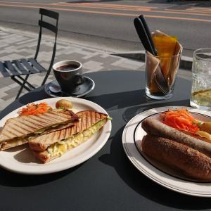 iris bread & coffeeでブランチ と カネルのパン