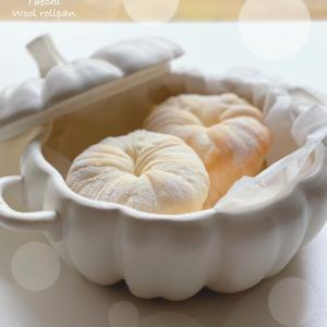 ホワイトウールロールパン