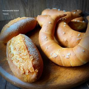 準強力粉のパン塩パン、クレセント、シュガーセミハード、赤紫蘇シロップ