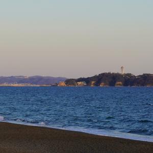 夕日照る江の島