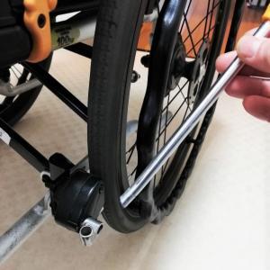 車椅子のブレーキが折れた