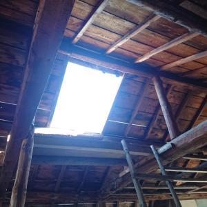 【納屋→工房リノベシリーズ】屋根をブチ抜いてみた。