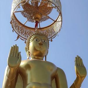 バンコク『ワットピチャイヤート』中華系な白亜の第2級寺院です