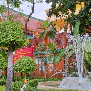 バンコク 中華街そば『ワット・サンパンタウォン』癒しの緑と噴水