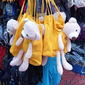 バンコク『サンペーン市場』お土産に!ド派手マスクや激安アクセサリー、雑貨の宝庫!