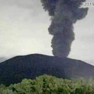 予兆なし、浅間山噴火