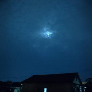 夕べのが正解だった満月
