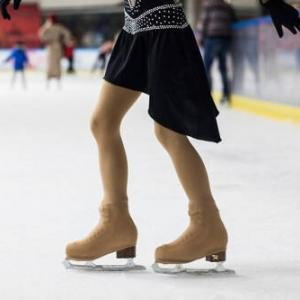 The Guardian「ホルモン遮断薬を摂取した元ロシア女子スケーターの体験談」