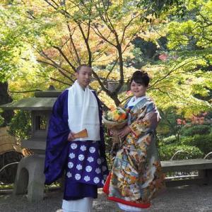 和歌山城の紅葉をバックにウエディングロケ撮影