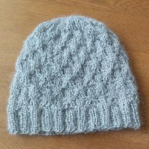 またまた帽子編みました