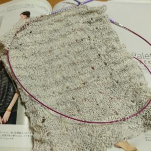 まっすぐ編みのプルオーバー