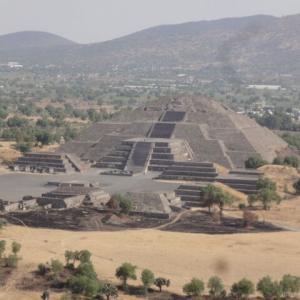 多くの謎に包まれた「テオティワカン」(Teotihuacan) は、ロマンを掻き立てられる古代都市遺跡