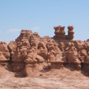 【奇岩が壮観】ゴブリンバレー州立公園 (Goblin Valley State Park) (2007年5月21日)
