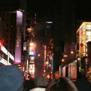 【一度は経験したい】NYタイムズスクエアの年越しカウントダウン
