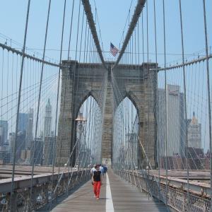【ニューヨークの観光名所の1つ】ブルックリン・ブリッジ (Brooklyn Bridge)