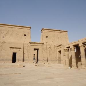 【イシス女神を祀るプトレマイオス朝時代に建設された神殿】イシス (フィラエ) 神殿 (Temple of Isis (Philae))