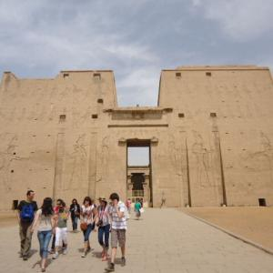 【エジプトで最も保存状態のよい神殿の1つ】ホルス神殿 (Temple of Edfu)