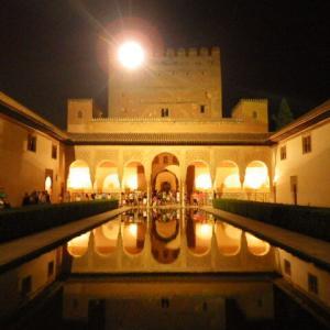 【イスラム芸術の最高傑作の世界遺産】グラナダのアルハンブラ宮殿、ヘネラリーフェ離宮、アルバイシン地区 (Alhambra, Generalife and Albayzin, Granada)