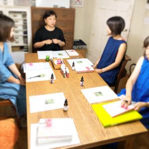 「刺繍教室 de ホメオパシー講座 第1期(9)」開催しました。と、今日の琥珀。