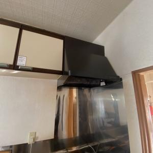 石川県加賀市 レンジフードのスイッチが反応しないレンジフードの取替工事