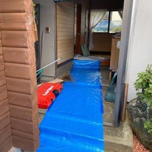 石川県小松市 リフォーム工事 タイルの浴室をシステムバスに入れ替え工事です。オール電化に。