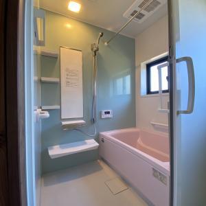 石川県小松市 システムバスリフォーム工事 スライドドアの造成