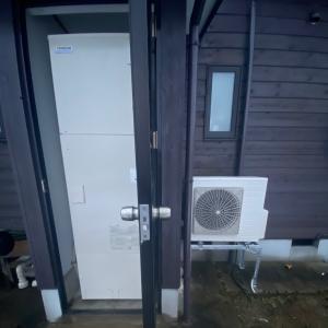 石川県小松市 三菱電気温水器から一月石油給湯器を貸出ののち日立井戸水対応エコキュートへ