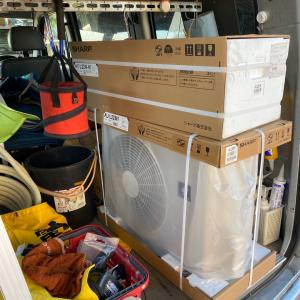 石川県加賀市 今日も早朝エアコン工事からのスタートです。