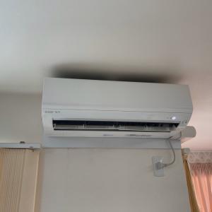 エアコンが冷えない。適正なエアコンに取り替えました。〇〇ンは取付出来ないとの事。