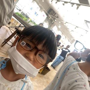 今日は4歳の次男が初眼鏡の購入です。