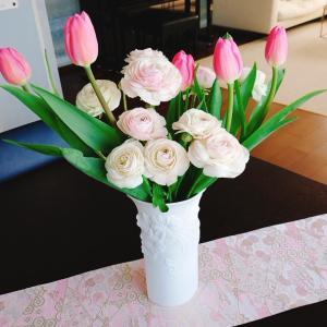 こんな時には、お花や美味しい食事に癒されます。