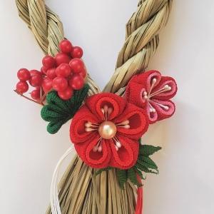 つまみ細工のお正月のしめ飾り(2)