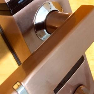 玄関電子ロック故障と、アイさん 対 鍵のオジさんの攻防