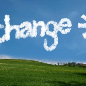 乗り換えるなら10月中がおすすめ。つみたてNISAで金融機関を変更する方法