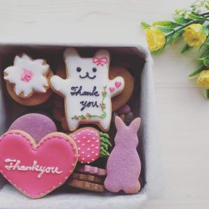 お誕生日プレゼントには、大好きなクッキー型でクッキー缶をプレゼント!!