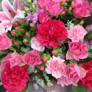 やっぱりお花を見ると癒されますね〜  お花のプゼント大好き!もらってみたい!