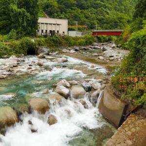 連休で片貝川は人気のスポット、初めて見た水の無い「沈砂池」!
