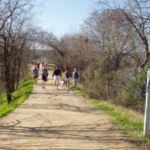 コロラド河畔の遊歩道  Austin, TX, USA