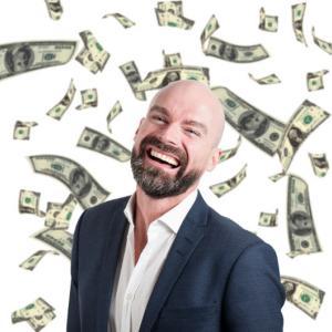 金持ち評論家「本当の金持ちは身の回りのファッション、車、食事には一切金かけない」ワイ「はぇ~」